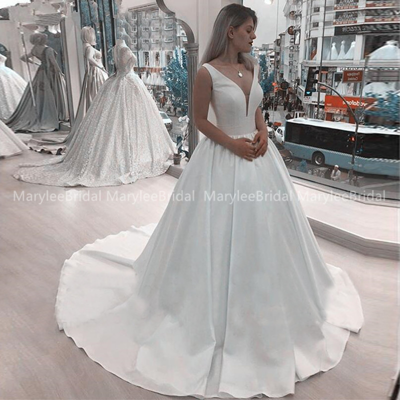 2020 Deep V Neck Wedding Dress White Ivory Satin Lace Up Back Vestido De Noiva Exquisite Long Chapel Train Formal Bridal Dresses