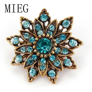 MIEG Vintage Gold Color Plated Flower Brooches for Women Wedding Rhinestone Bouquet Bijoux Pins Clothing Jewelry Accessories(China)