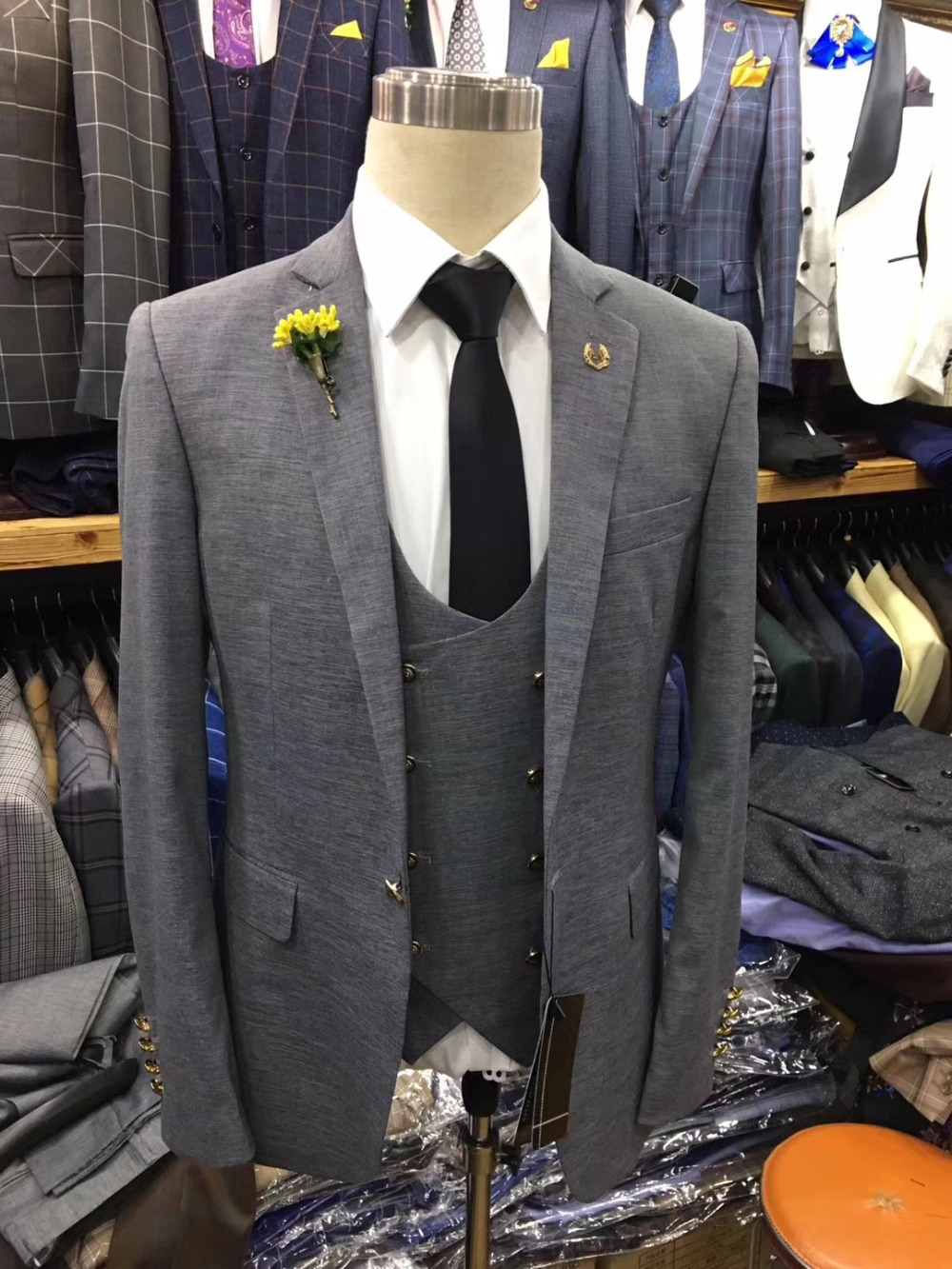 Black-Slim-Fit-Tuxedos-Groom-Wedding-Suits-For-Men-New-Design-Fashion-Formal-Party-Prom-Male