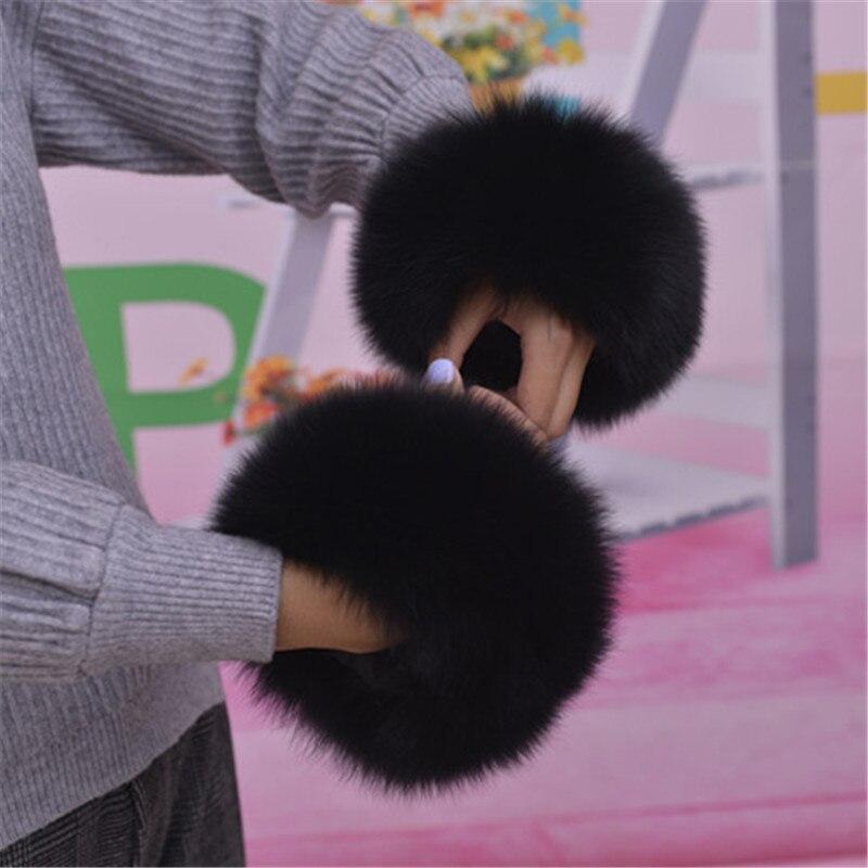 2019 Hot Fashion Fox Fur Cuffa Authentic Fox Fur Cuff Bracelet For Women Real Leather Bracelet Glove Customizable.