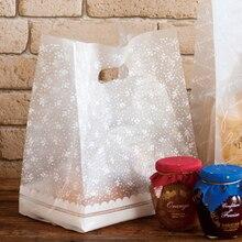 Beyaz çiçekler çanta plastik hediye keseleri, plastik alışveriş torbaları 50 adet/grup