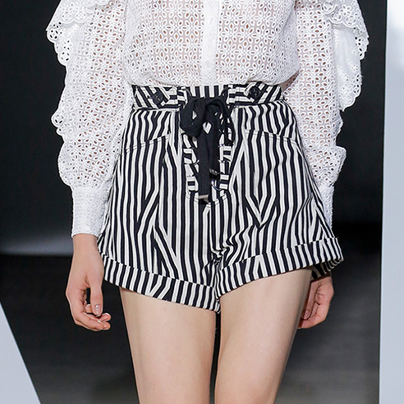 Runway Designer Mulheres Primavera Outono Conjunto de Manga Comprida Oco Out Lace Blusa Branca Tops e Listrado Calções de Design de Moda Ternos - 4