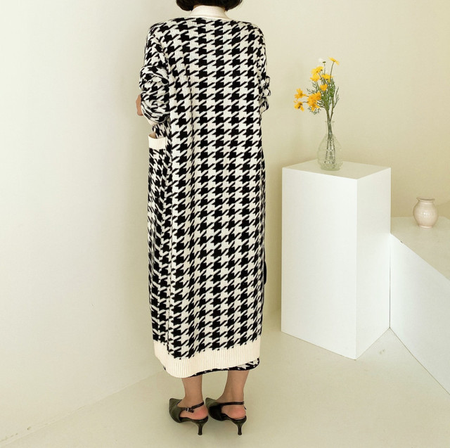 Sweater Set  Vintage Style V-Neck Long Knitted Sweater Coat  Houndstooth Vest Dress Two-Piece Suit 2