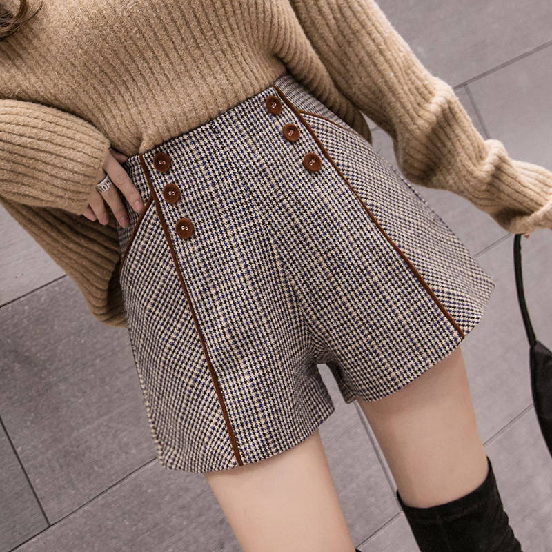 MUMUZI Autumn And Winter Loose Plaid Woolen Shorts Women's Wide Leg Front Buttons High Waist Boots Shorts Warm Short Trousers