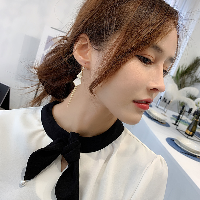 Linmouge White Color Fashion New Dangle Earring For Women Long Tassel Squre Vintage Luxury Engagement Female Boho Jewelry EF63