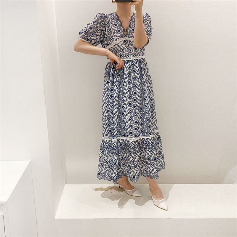 Chic Fashionable Solid White V neck Hollow Out Lace Up Vintage Seaside Casual Loose Comfort Maxi Dress Vintage Vestido Hot Sales