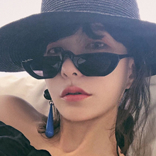 Personality Vintage Sunglasses Women Fashion Brand Designer Hip Hop Circle Decorative Small Frame Shades Eyewear