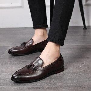 Image 3 - Mannen Kantoor Casual Schoenen Mannen Formele Klassieke Kwastje Slip Op Loafers Schoenen Man Dress Schoenen Business Party Schoenen Zapatos De hombre