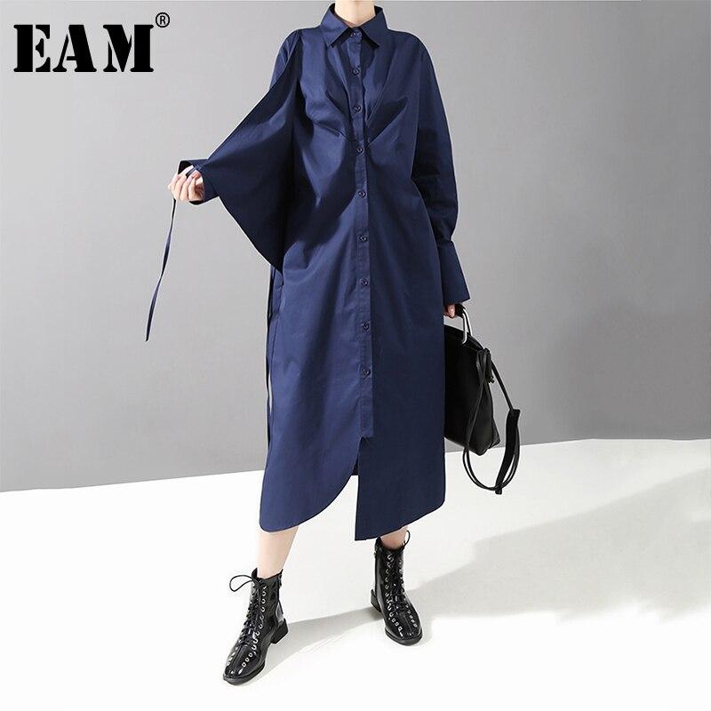 [EAM] Women Strap Irregular Causal Shirt Dress New Lapel Neck Long Sleeve Loose Fit Fashion Tide Spring Autumn 2020 1D020