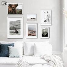 Cavallo Orso Animale Selvatico Poster Da Parete Nordic Natura Paesaggio Stampa Scandinavo della Tela di Canapa Pittura Moderna Della Decorazione di Arte