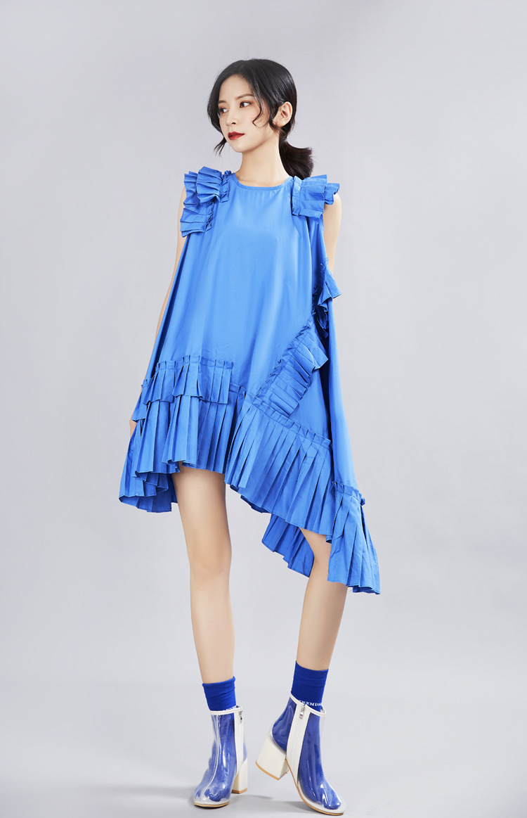 [EAM] 2020 New Spring Summer Round Neck Sleeveless Blue Irregular Ruffles Pleated Stitch Loose Dress Women Fashion Tide  JX338