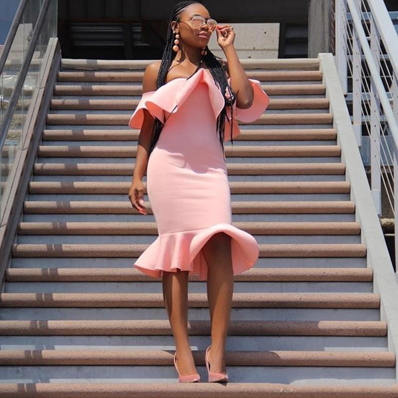 Pink African Knee Length   Cocktail     Dress   Cheap Off The Shoulder Ruffles Satin Mermaid Prom   Dress   Sexy Plus Size Party Vestidos