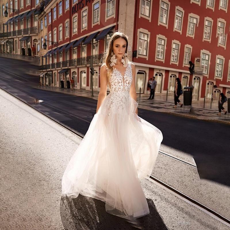 Boho Wedding Dresses 2020 Sexy Lace Backless Beach Bridals Gown V Neck Sleeveless Princess Wedding Dress Robe De Mariee