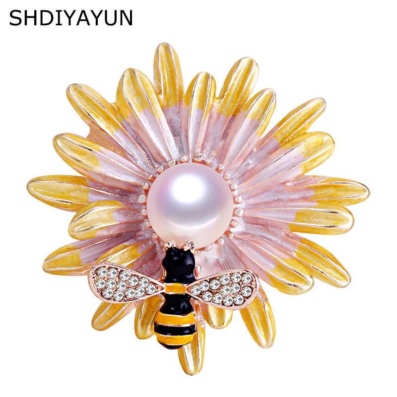 SHDIYAYUN 2019 nuevo broche de perlas de agua dulce Natural abeja crisantemo broche Simple alfileres para mujeres joyería regalo de mujer