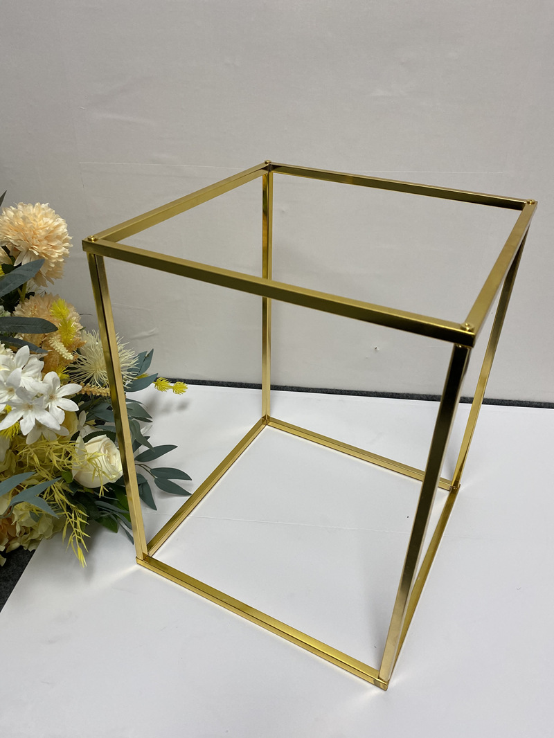 wedding : 4pcs set Electroplated gold Wrought iron rectangular frame wedding party supplies road lead artificial flowers backdrop stand