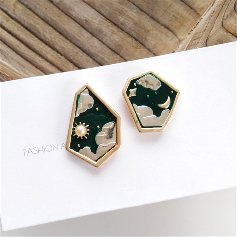 Korean Fashion Geometric Creative Girl Stud Earrings Cute Romantic Moon Clouds Pearl Stud Earrings For Women Gifts Jewelry 2020
