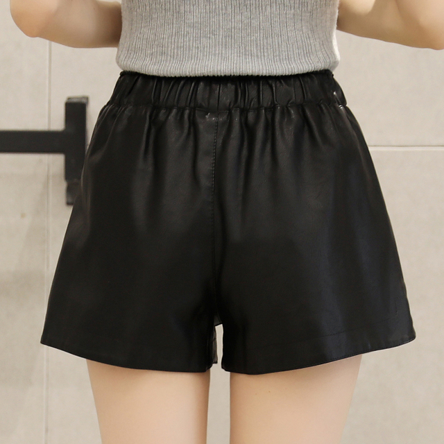 Women PU Leather shorts 2018 Autumn Winter Fashion Rivet short elastic waist casual wide leg shorts feminino cintura SexeMara 3