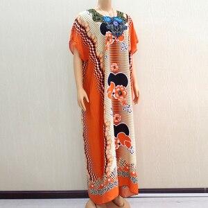 Image 4 - 2020 vêtements africains pour femmes Dashiki mode impression Design Applique Orange 100% coton ample Maxi robe avec écharpe pour les vacances