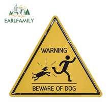 EARLFAMILY 13cm x 11.4cm Home attenzione al segno del cane segni di cani divertenti adesivi per auto di avvertimento divertenti decorazione della finestra del recinto della porta
