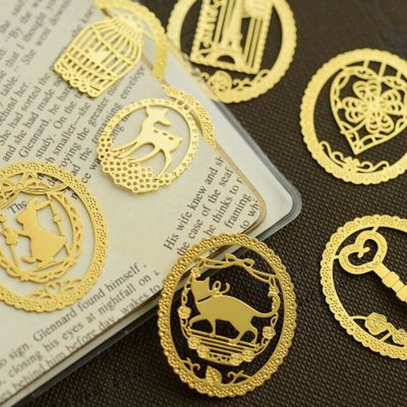 1pcs Mini Openwork Bookmarks Novelty Kawaii Book Marks Student Stationery Cute Metal Bookmark Teacher Gifts School Supplies