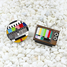 90s retro black and white tv custom lapel brooch no signal button switch antenna color screen failure tv badge backpack jewelry(China)