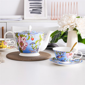 Ceramic Coffee Mugs & Pot Set