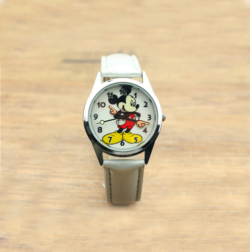 Disney Mickey Mouse Quartz Wristwatch Cartoon Boys Watches Kids Gifts For Girls Clock Watches Kids Watches Quartz Alloy Simple