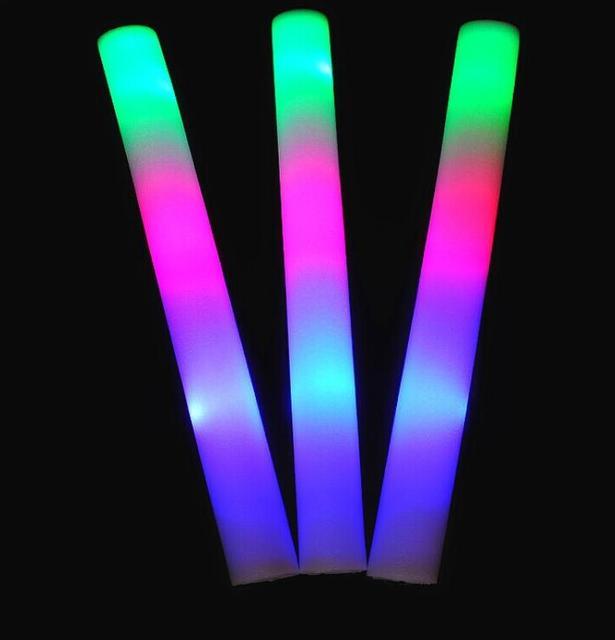 Della Gomma Piuma Spiedi Incandescente Wand Baton Lampeggiante LED Stobe Bastone per il Concerto Festa Evento di Compleanno di Cerimonia Nuziale Dare Away