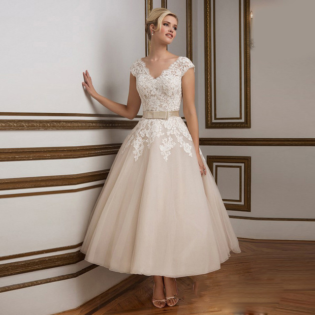Champagne Tea Length Wedding Dresses White Lace Bride Dress Cap Sleeve V Back Vestido De Noiva Curto Short Wedding Gowns 2016