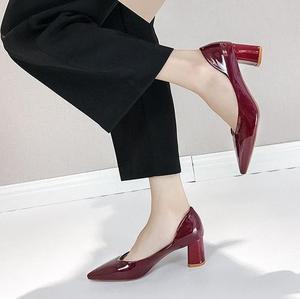 Image 5 - Женские туфли на высоком каблуке в европейском стиле; коллекция 2019 года; сезон весна; новые женские туфли лодочки; тонкие туфли с острым носком на толстой подошве; Рабочая обувь