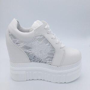 Image 3 - 女性の加硫靴スニーカープラットフォーム 14 センチメートルウェッジヒールシルク弓白人女性カジュアルシューズ 2019 春夏レース靴