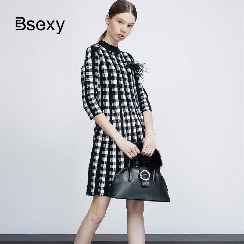 Vintage Wool Blend Plaid Sweater Dress 2019 Autumn Winter Retro Houndstooth Appliques Half Sleeve Women Pleated Knitting Dress image