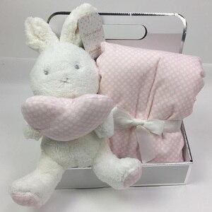 Image 1 - 75*100cm מכירה לוהטת אריזת מתנה עם חמוד בעלי החיים בובה + שמיכת קטיפה אלמוגים תינוק מצעים ארנב פיל בפלאש צעצוע