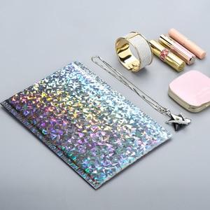 Image 4 - 50 stks/pak Laser Zilveren Verpakking Verzending Bubble Mailer Goudfolie Plastic Gewatteerde Envelop Gift Bag Mailing Envelop Tas