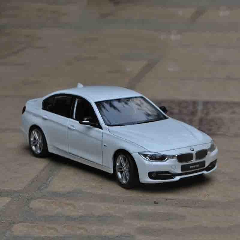 Welly 1/24 1:24 BMW 3 Series 335 335I Sport Racing Car Diecast Display Metal Model Birthday Children Toy For Kid Boys Girls