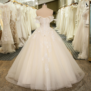 Image 2 - SL 5024 New Arrival Off The Shoulder Bridal Gown Tulle Lace Appliques Vintage Ball Gown Wedding Dress 2020