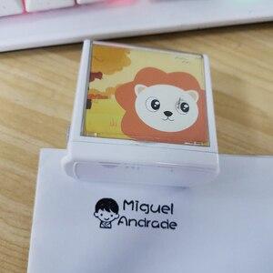 Image 2 - Dostosowane wodoodporna nie znikną nazwa znaczek dziecko znaczki Ticker Cartoon Seal dla dzieci dziecko Pet dla tkaniny buta kołdra kubek