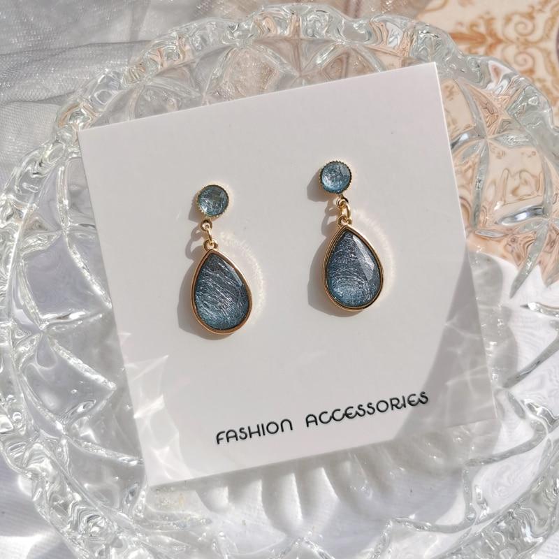 Geometric long Temperament Earrings accessories girl fashion drawing crystal retro resin stud earrings for women jewelry