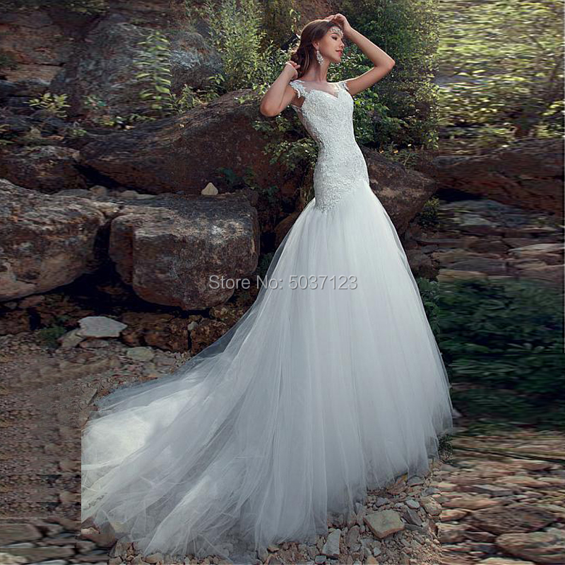 Sleeveless Mermaid Wedding Dresses Sweetheart Button Illusion Lace Appliques Bridal Gown Court Train Vestido De Noiva Longo