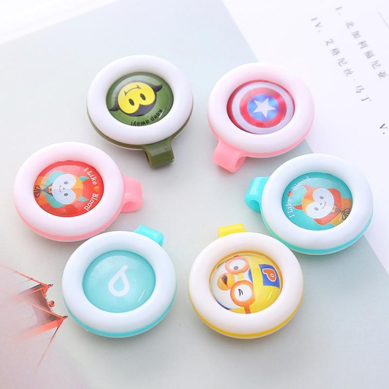 Couleur aléatoire moustique répulsif Bracelets boutons Mini léger mignon forme conduite moustique bébé enfants dormir en plein air 9