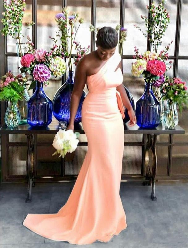 One Shoulder Mermaid Bridesmaid Dresses Pleats Garden Country Women Wedding Guest Gowns Maif of Honor Dress Plus Size Cheap