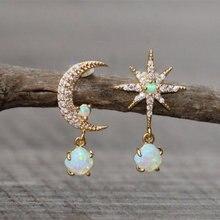 Boucles d'oreilles lune et étoile en opale minuscule asymétrique, étoile dorée, opale de feu blanche, Petite boucle d'oreille minimaliste pour femmes, bijoux