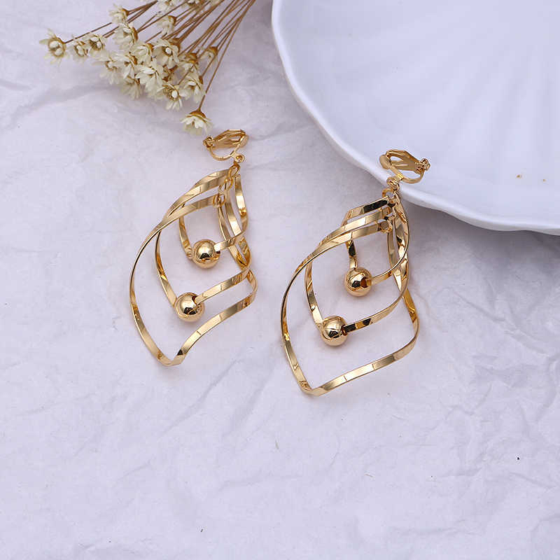 3 Color Geometry Irregular Metal Wave Clip on Earrings No Pierced for Women Retro Abstract Hollow Out Ear Clips Fashion Jewelry