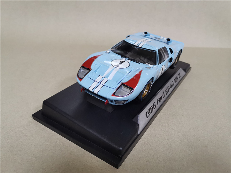 Exquisite 1:18 Ford GT40 Alloy Car Model,simulates A 4-door Le Mans Racing Model Collection Gift Ornaments,free Shipping