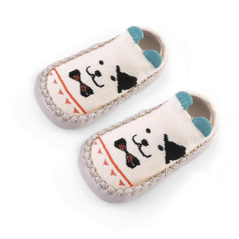 Nuevos calcetines de bebé con suelas de goma para bebés recién nacidos niños Otoño Invierno niños piso calcetín zapatos antideslizantes suela suave calcetín