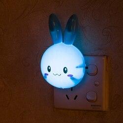 Lámpara LED de noche con dibujos de conejos para niños, 3 colores, luz de pared de encendido/apagado, AC110-220V, lámpara de mesita de noche con enchufe europeo y estadounidense, regalos para bebé