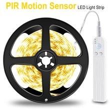 Bande lumineuse Flexible avec capteur de mouvement, alimentée par batterie, USB, SMD2835, DC 5 V, idéale pour la salle de bain ou les fêtes