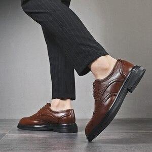 Image 4 - Chaussures en cuir pour hommes, chaussures pour cérémonie de mariage, de luxe, rétro, Oxfords, collection 2020