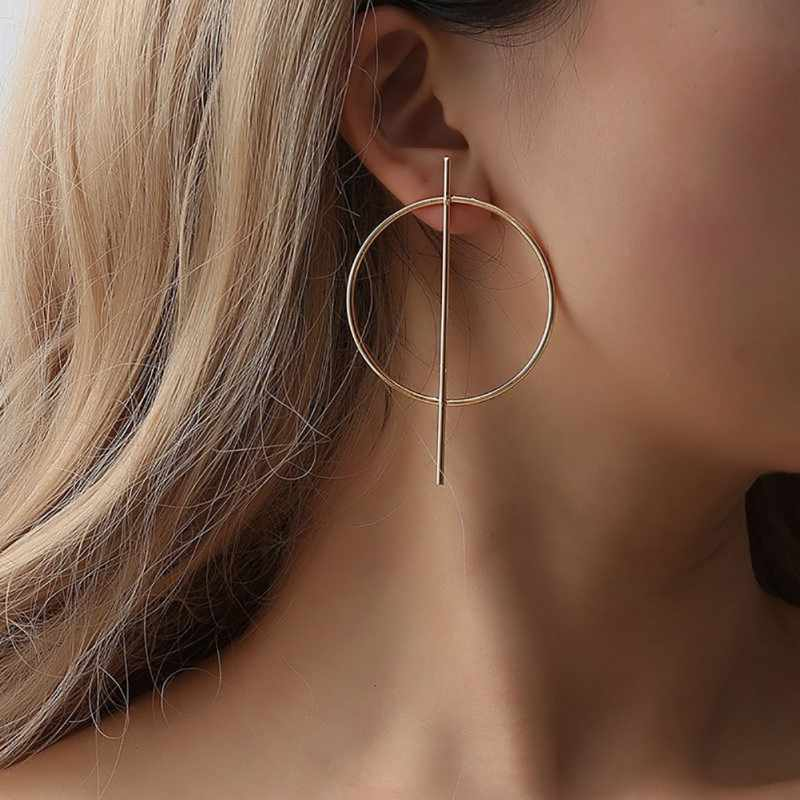 Pendientes de oreja informales de plata de oro de 2019 Hots pendientes exagerados redondos huecos de mujer chica negro versátiles pendientes