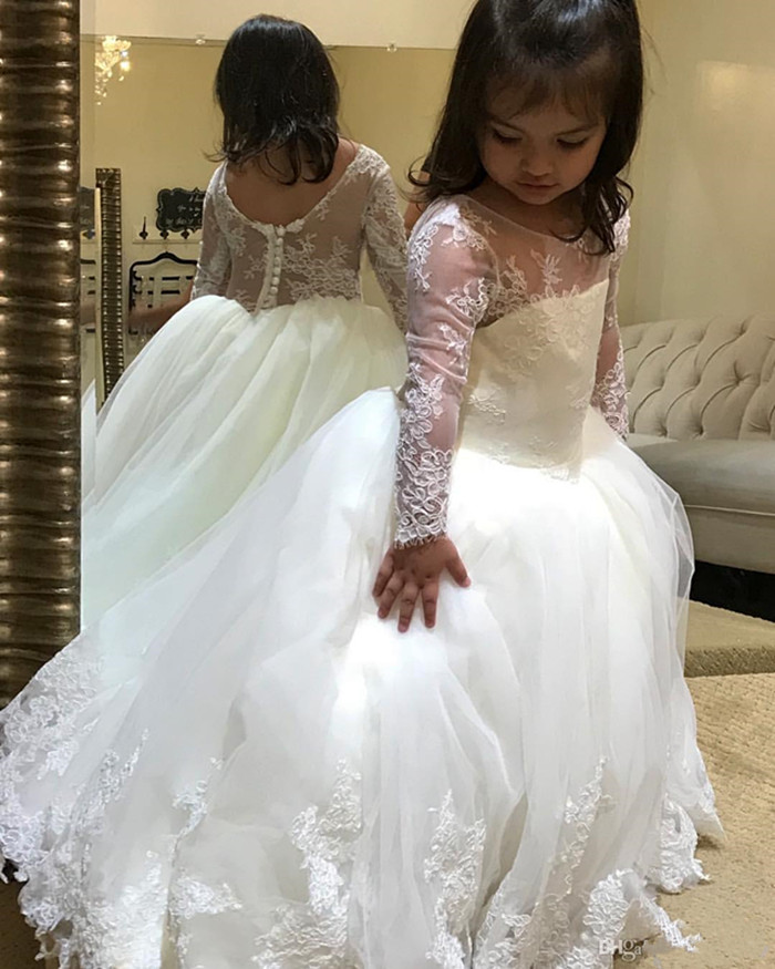 New Pure White Tulle Holy First Communion Gowns With Lace Appliques Buttons Sheer Neck Custom Made Girls Pageant Gowns Vestidos